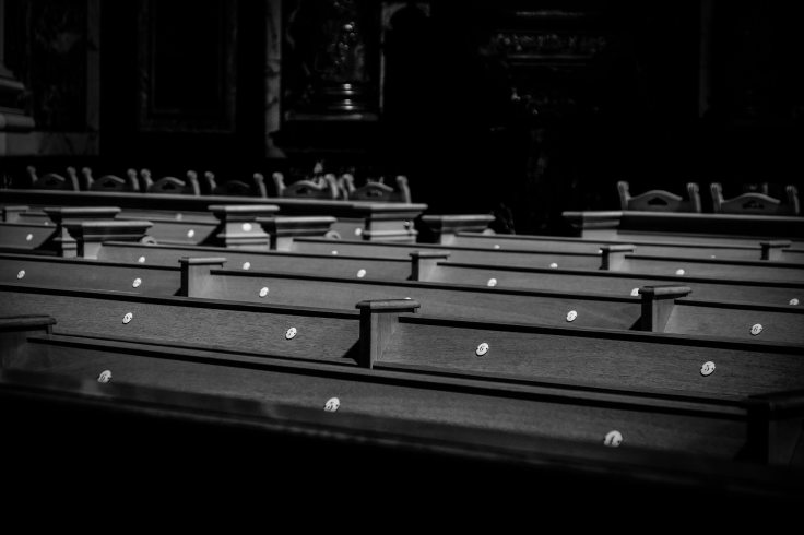 berlin-black-and-white-chairs-544252